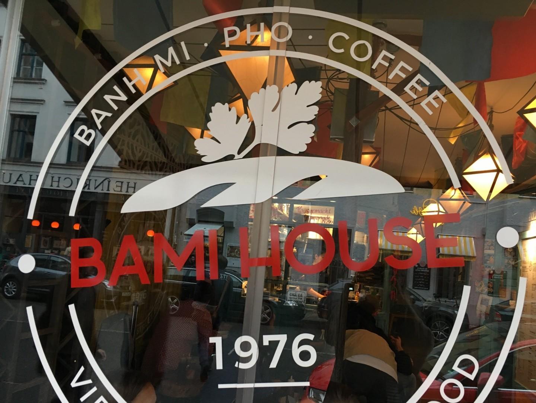 panista blog marie testet bami house front panista blog. Black Bedroom Furniture Sets. Home Design Ideas