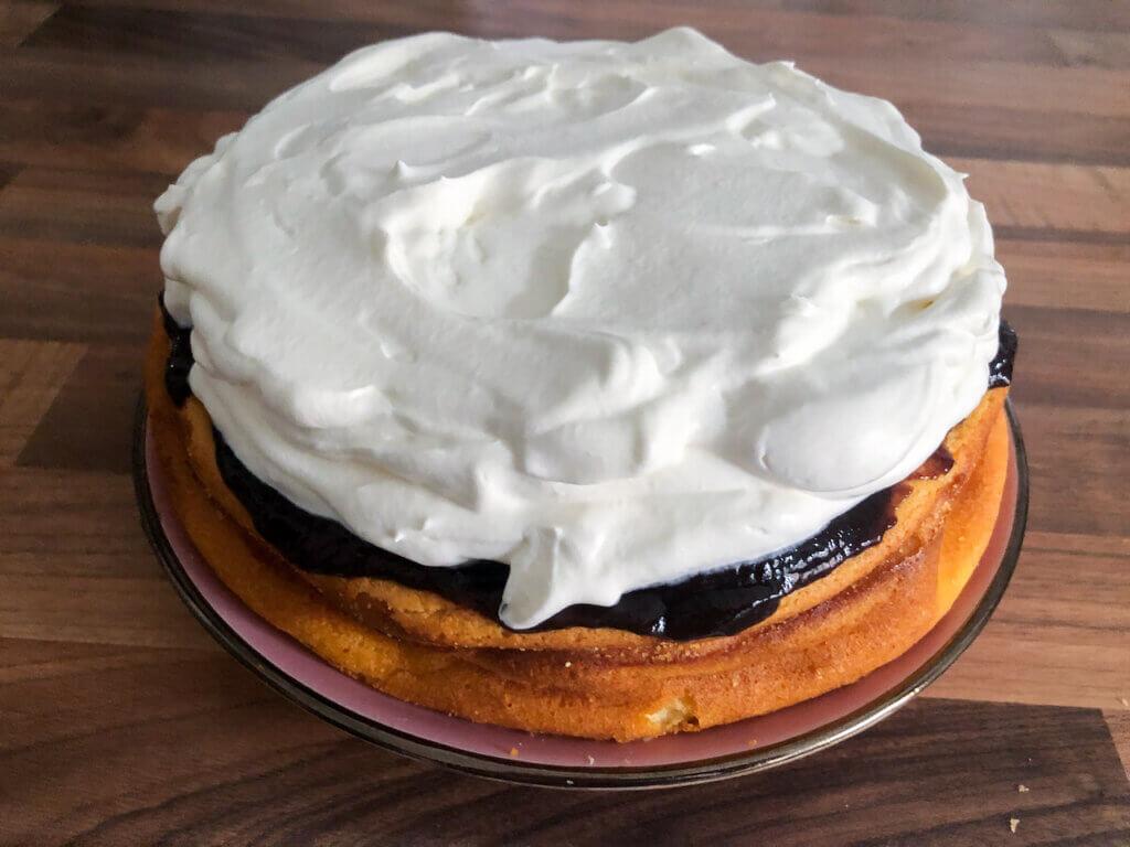 Panista_Blog_Rezepte_Glutenfreie Käsekuchentorte mit Pflaumenmuß