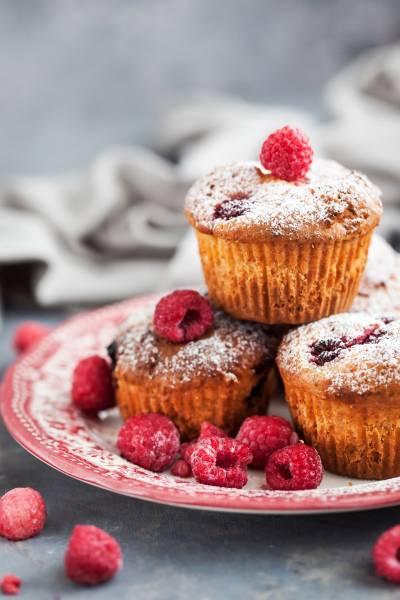 media/image/raspberry-muffins-PK3ENK8.jpg