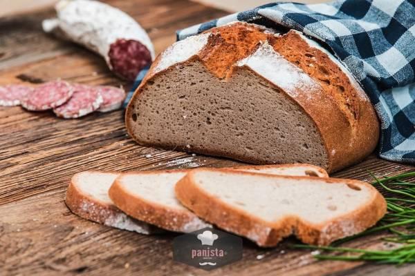 glutenfreies Bauernbrot-Seitenansicht