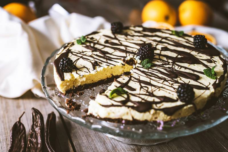media/image/vegan-orange-cake-with-carob-PG2WKSK.jpg